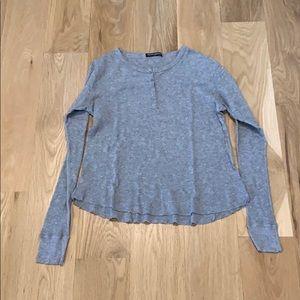 Basic gray long sleeve shirt